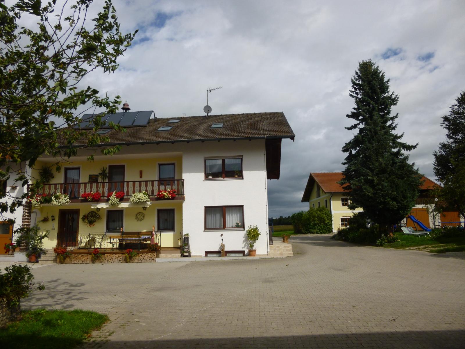 Bayerhof3